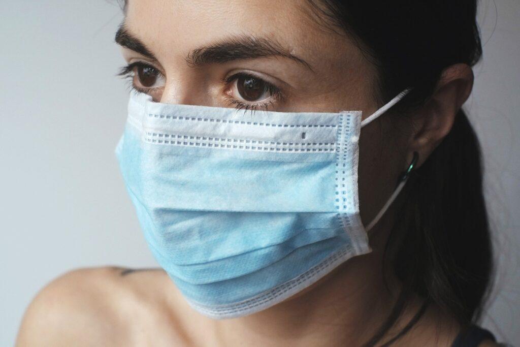 Munskyddskrav - Läkarjouren tillhandahåller munskydd till resande konsulter